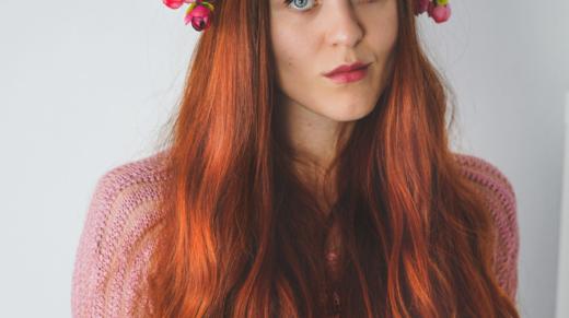 hennowane włosy