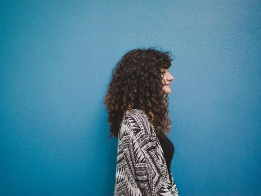 jak stosować żel do włosów
